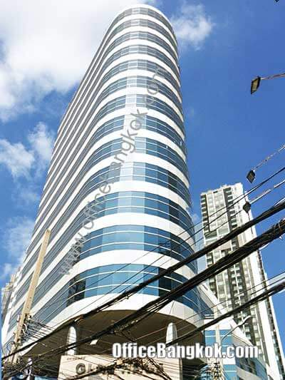 Glas haus Building - Office Space for Rent on Sukhumvit Area nearby Phrom Phong BTS Station and Sukhumvit MRT Station.