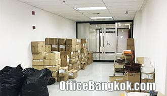 Rent Office at Sinn Sathorn Tower on Krung Thonburi Road close to Krung Thonburi BTS station