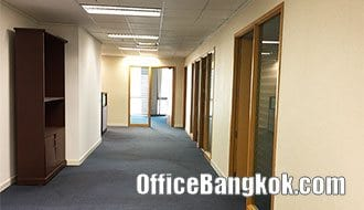 Rent Office with Partly Furnished on Chidlom Area close to Chidlom BTS Station