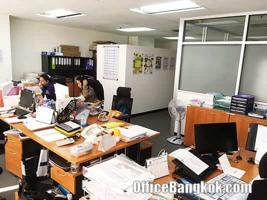 Small Office Space for Rent With Partly Furnished on Asoke Area