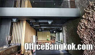 Showroom and Office Space for Rent on Ground Floor and Mezzanine near Ekkamai BTS station
