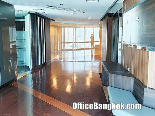 Beautiful Furnished Office Space on Ratchada Road close to MRT Station Size 1,100 Sqm