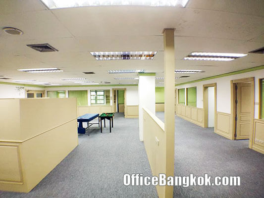 Rent Office with Partly Furnished on Rama 9 Road only 15 minute to Ramkhamhaeng Airport Rail Link Station