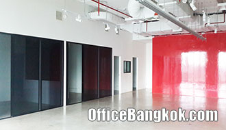 Rent Office on Sathorn with Partly Furnished only 10 minute walk to Chong Nonsi BTS Station