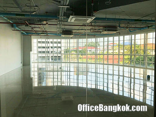 Office Space or Retail Space for rent on Rama 4 - Phra Khanong