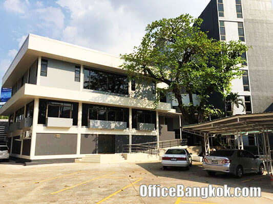 Stand Alone Office Building for Rent at Lan Luang Road