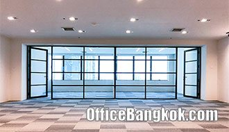 Rent Office with Partly Furinished at Charn Issara Tower 2 on New Phetchaburi Road