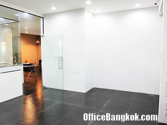 Small Office Space for rent at Sirinrat Tower
