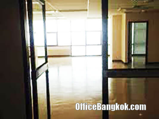 Sirinrat Tower - Cheap Office Space for Rent with Standard Condition