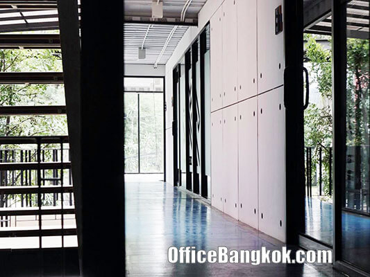 Rent Small Office Space with Modern Design On Ekamai